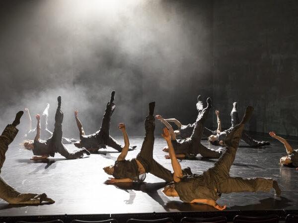 4 Feet Under – Charlotta Öfverholm på Theater Münster